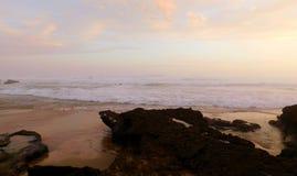 Spiaggia di tramonto Immagini Stock Libere da Diritti