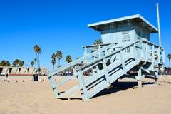 Spiaggia di U.S.A. e bagnino Tower in Santa Monica, California fotografie stock libere da diritti