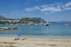 Spiaggia di Valtos - Parga marino ionico, Prevesa, Epiro, Grecia immagini stock