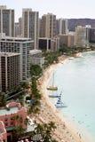 Spiaggia di Waikiki in Hawai immagini stock libere da diritti