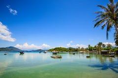 Spiaggia di Xuan Dung (figlio Dung), baia di Van Phong, Khanh H immagine stock libera da diritti