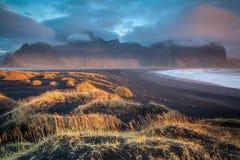 Spiaggia drammatica dell'Islanda Immagini Stock