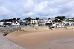 Spiaggia e città, Saundersfoot, Galles del sud, Regno Unito Fotografia Stock