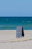 Spiaggia e l'oceano Immagini Stock Libere da Diritti