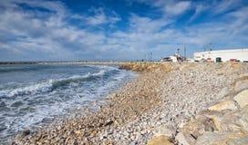 Spiaggia e passeggiata - Saintes Maries de la Mer - Camargue Provenza - Francia fotografia stock