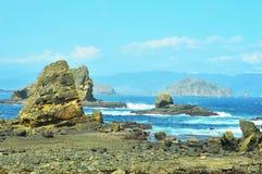 Spiaggia e rocce del mare fotografia stock libera da diritti