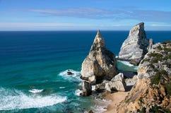 Spiaggia e rocce di Ursa Fotografie Stock Libere da Diritti