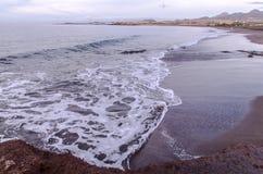 Spiaggia e Wave a tempo di alba Immagini Stock Libere da Diritti