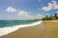 Spiaggia ed acqua Fotografie Stock Libere da Diritti