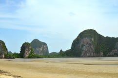 Spiaggia ed isola Fotografia Stock