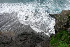 Spiaggia ed onde immagine stock libera da diritti