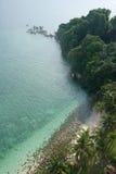 Spiaggia esotica di lengkuas dall'alto angolo Fotografia Stock Libera da Diritti