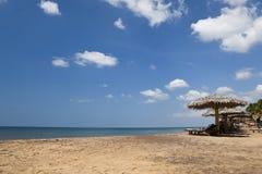 Spiaggia idilliaca di paradiso tropicale. La Sri Lanka Fotografie Stock Libere da Diritti