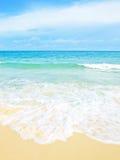 Spiaggia idillica di scena Fotografia Stock Libera da Diritti