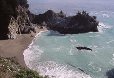 Spiaggia isolata e baia Fotografie Stock Libere da Diritti