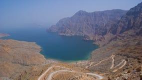 Spiaggia isolata nelle montagne dell'Oman Fotografie Stock Libere da Diritti
