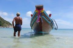 Spiaggia Koh Phangan Koh Pha Ngan Tailandia della bottiglia del taxiboat di Longtail Fotografia Stock