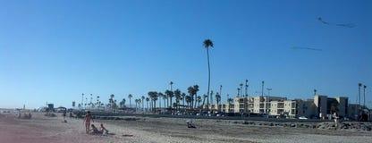 Spiaggia laterale dell'oceano Fotografie Stock