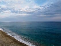 Spiaggia in mare il mar Ligure Immagini Stock Libere da Diritti