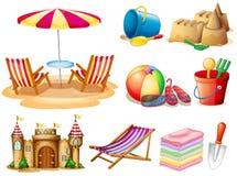 Spiaggia messa con il sedile ed i giocattoli Fotografie Stock