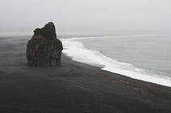 Spiaggia nel sud dell'Islanda Immagine Stock Libera da Diritti