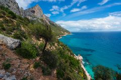 Spiaggia nell'inverno, Sardegna, Italia di Cala Goloritze fotografie stock