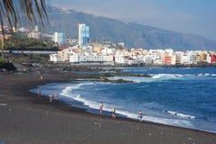 Spiaggia nera Fotografie Stock Libere da Diritti