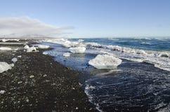 Spiaggia nera della sabbia, Islanda Immagine Stock