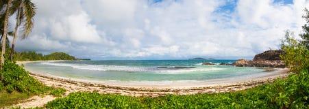 Spiaggia non trattata sulle Seychelles Fotografia Stock Libera da Diritti