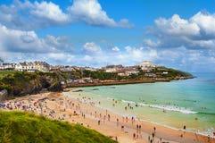 Spiaggia occupata in Newquay, Cornovaglia, Regno Unito Fotografia Stock Libera da Diritti