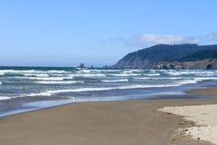 Spiaggia Oregon del cannone Immagini Stock