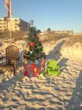 Spiaggia Pail Christmas Tree Fotografie Stock