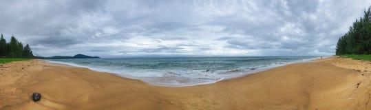 Spiaggia panoramica di Emty fotografia stock libera da diritti