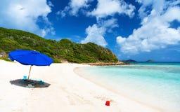 Spiaggia perfetta dell'immagine ai Caraibi Immagini Stock Libere da Diritti