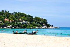 Spiaggia Phuket Tailandia di Karon nell'aprile 2010 Fotografia Stock