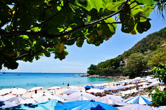 Spiaggia Phuket Tailandia di Karon nell'aprile 2010 Immagine Stock