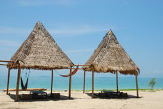 Spiaggia piacevole su un'isola in Tailandia del sud Fotografia Stock