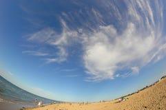 Spiaggia piena di sole in Normandie Fotografie Stock Libere da Diritti