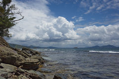 Spiaggia pietrosa Fotografie Stock