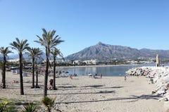Spiaggia in Puerto Banus, Spagna Fotografia Stock