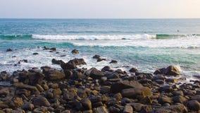 Spiaggia rocciosa Fotografie Stock Libere da Diritti