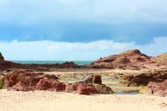 Spiaggia rocciosa del castello di Tantallon, Scozia Fotografia Stock