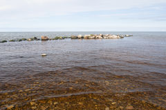 Spiaggia rocciosa del Mar Baltico Immagini Stock Libere da Diritti