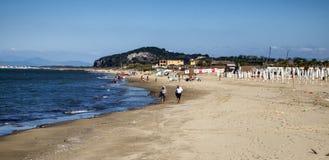 Spiaggia Romana巴科利Torregaveta 库存照片