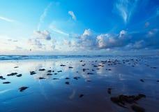 Spiaggia in sera Fotografia Stock Libera da Diritti