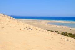 Spiaggia Sotavento, Fuerteventura, Spagna - 15 02 2017 immagine stock libera da diritti