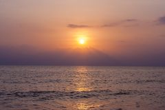 Spiaggia stupefacente della Tailandia della forma di tramonto Fotografia Stock Libera da Diritti