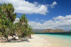 Spiaggia sull'isola di Lombok. Immagine Stock