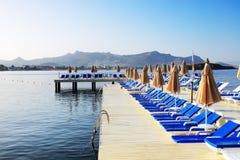 Spiaggia sulla località di soggiorno turca Fotografie Stock Libere da Diritti