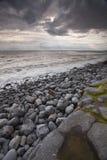 Spiaggia tempestosa di Lingua gallese Immagini Stock Libere da Diritti